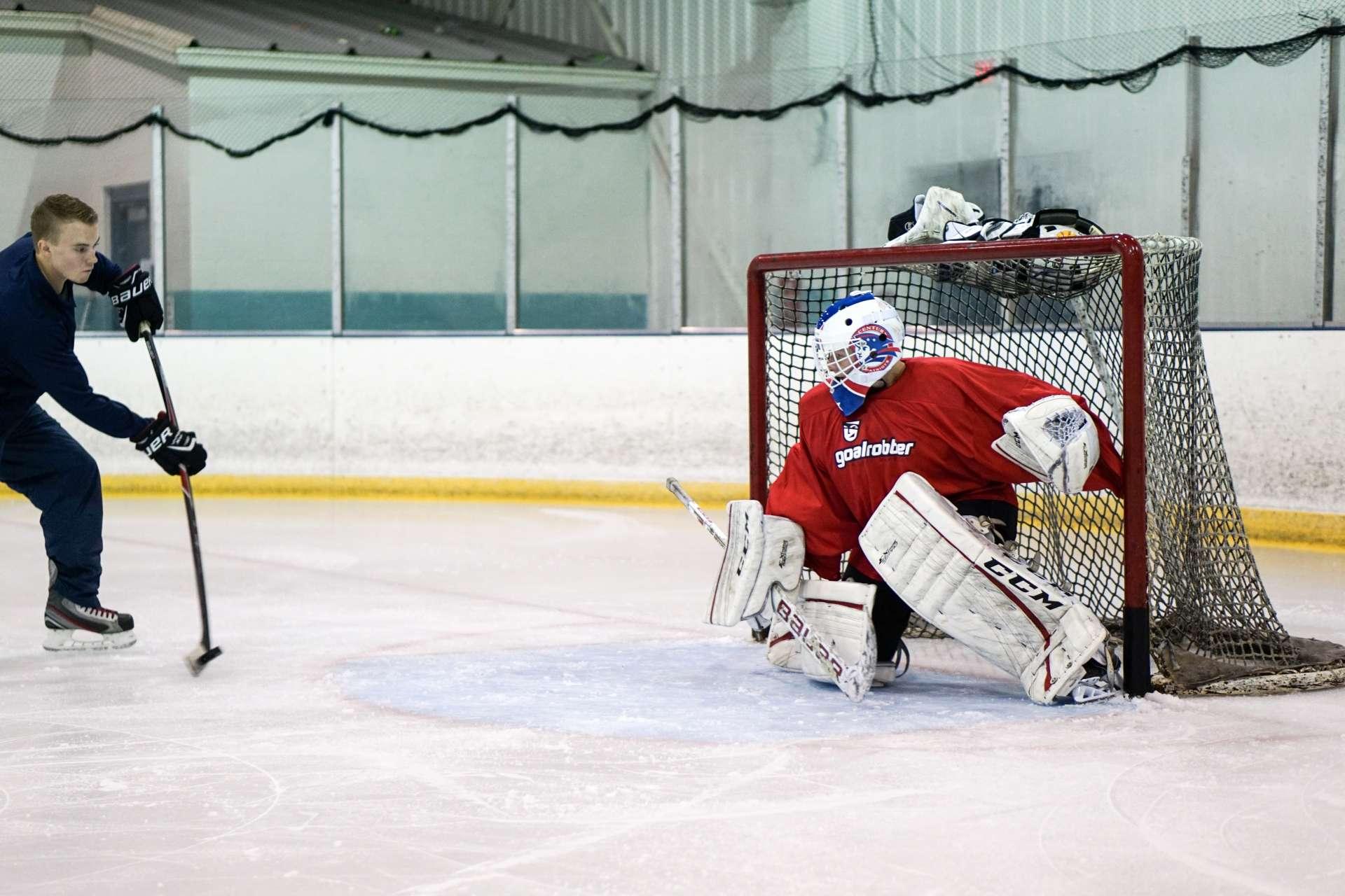 Elite Goalie Training Program Goalrobber Hockey Schools